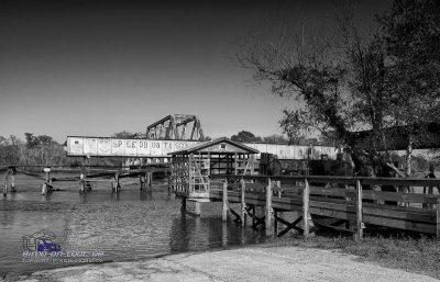 Alte Eisenbahnbrücke am Campground