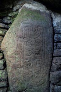Steinzeitliche Steinmetzarbeit