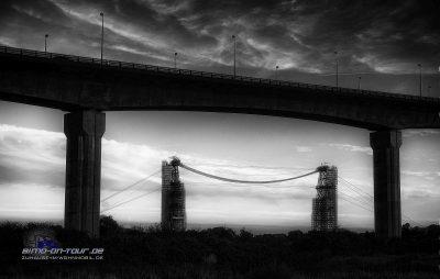 Schwebefähre mit Brücke