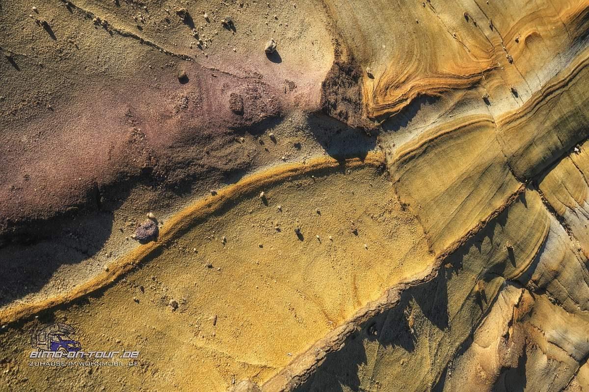 Alrelho-erodierter bunter Sandstein