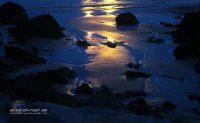 Strand im Laternenlicht