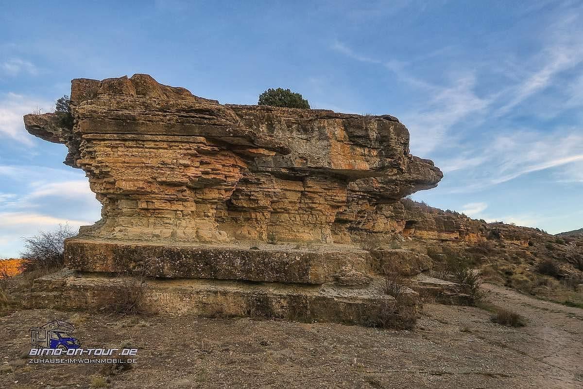 Albarrazin-Stellplatzm Blick auf Felsen