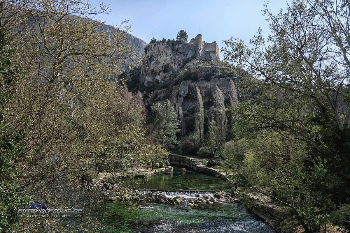 Fontaine-de-Vaucluse-Burg