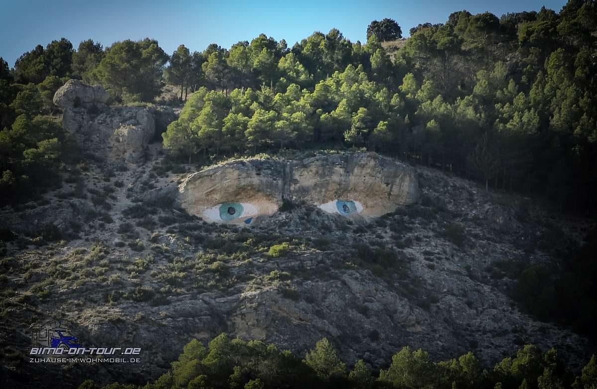 Gesicht im Fels