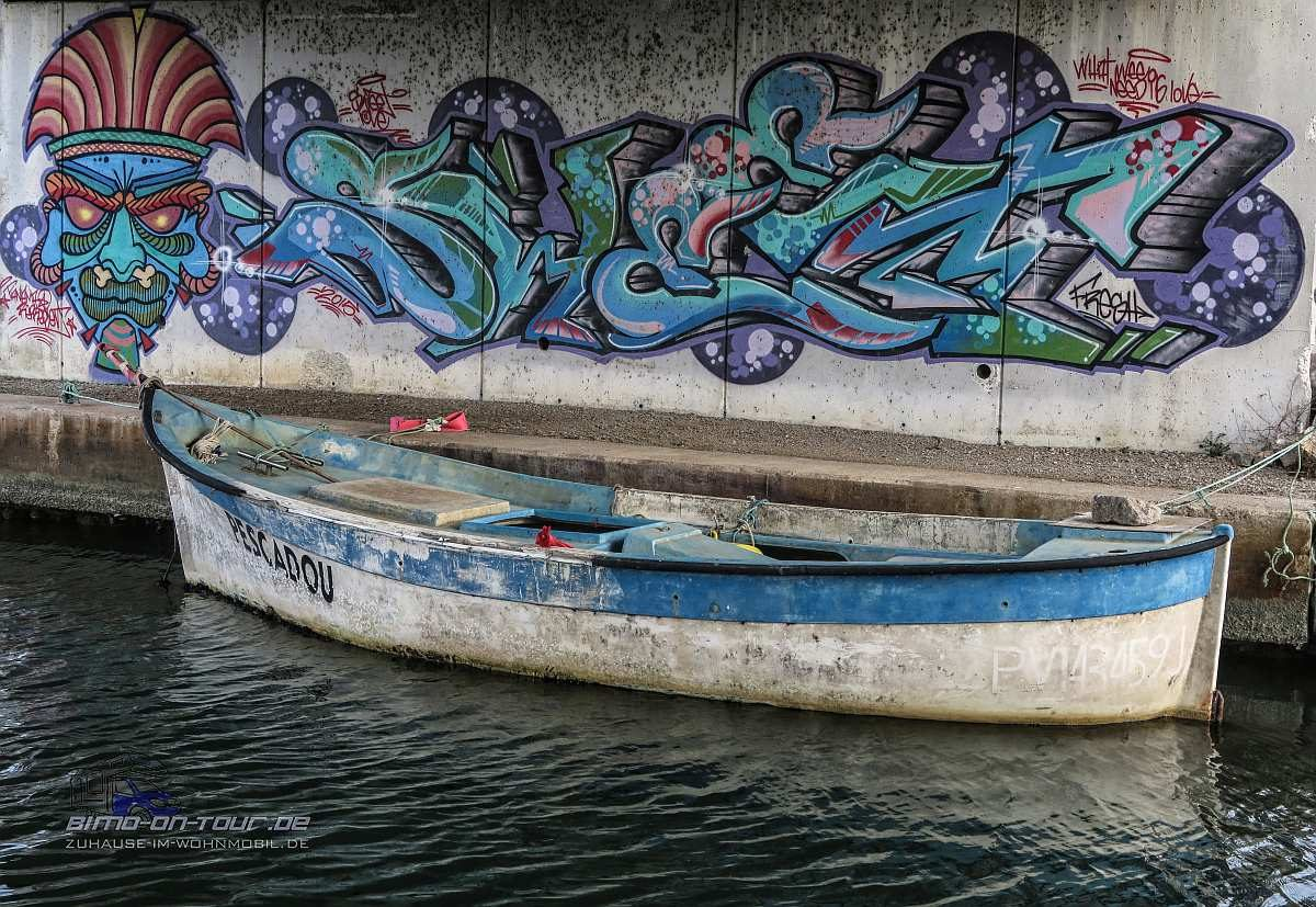 Boot mit Graffiti