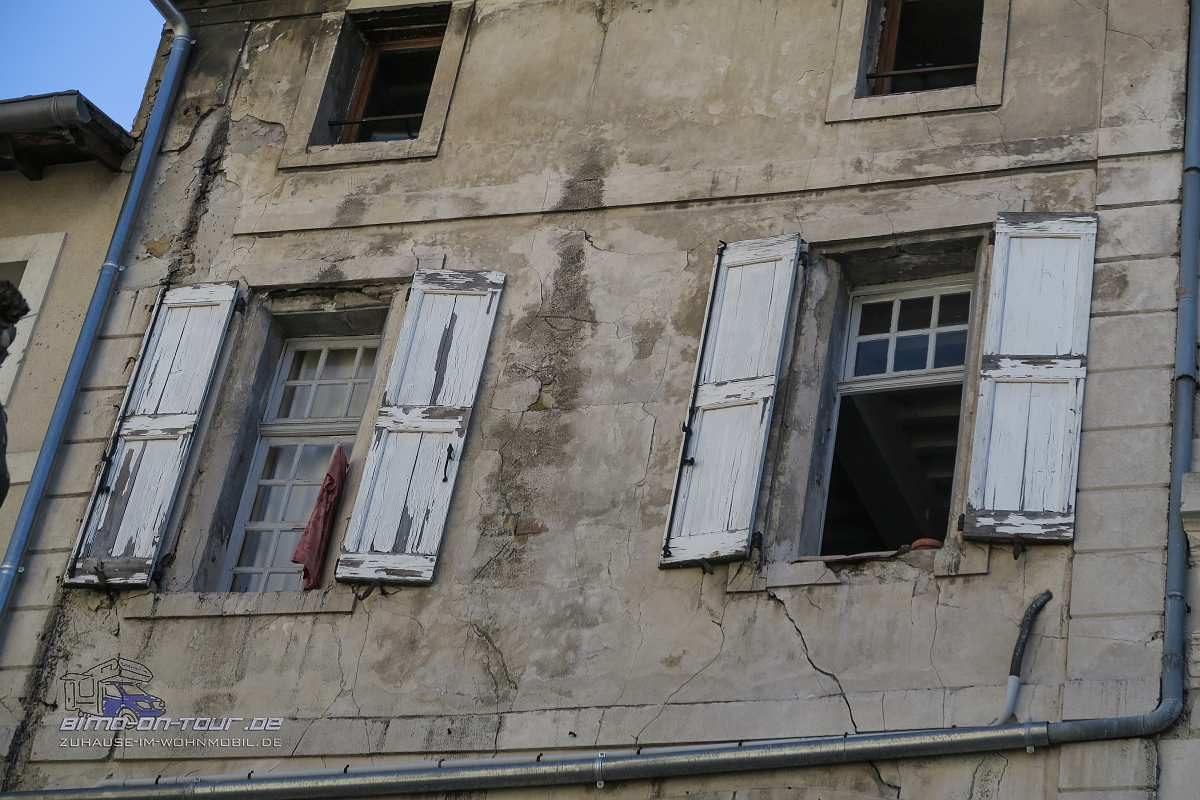 Isle-sur-la-Sorgue-Fenster
