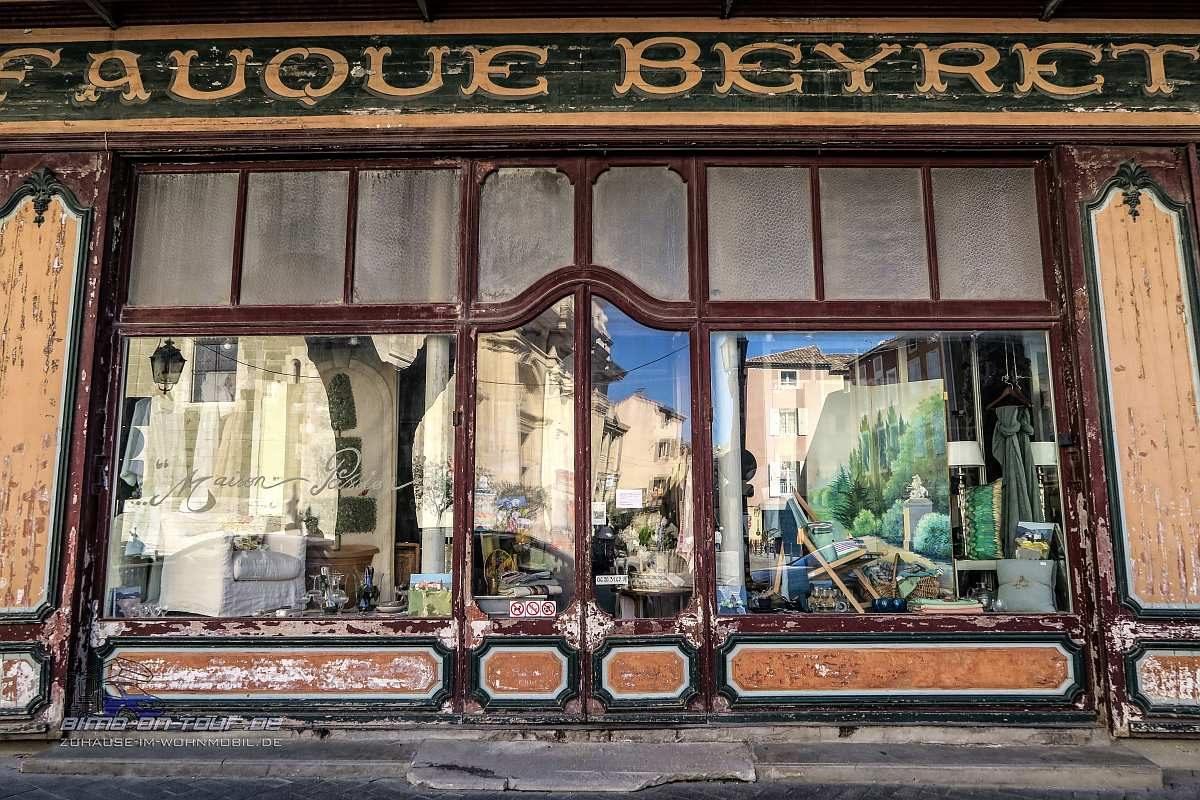 Isle-sur-la-Sorgue-Schaufenster