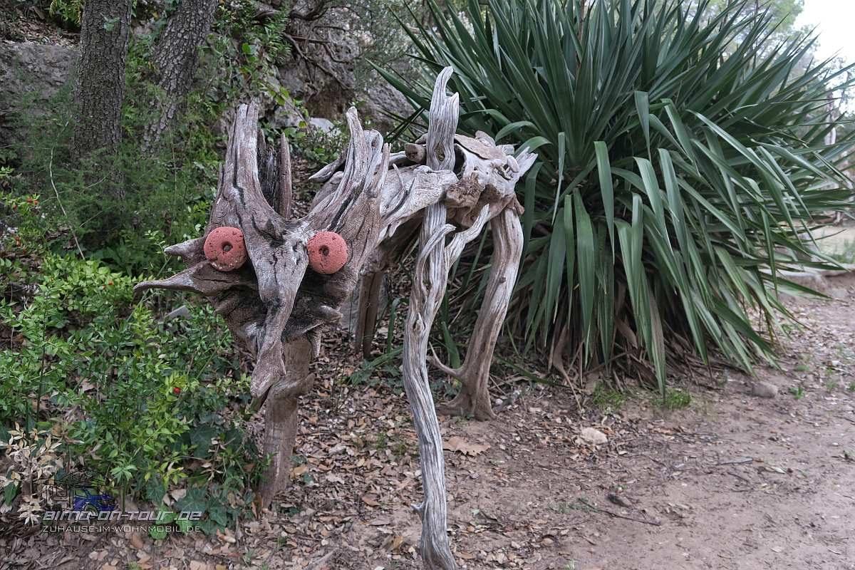 Mourèze - Kunst aus Holz