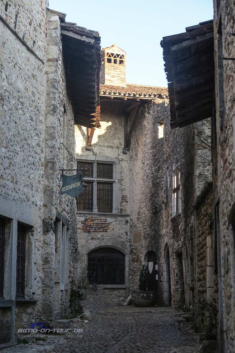 Perouges-Gasse