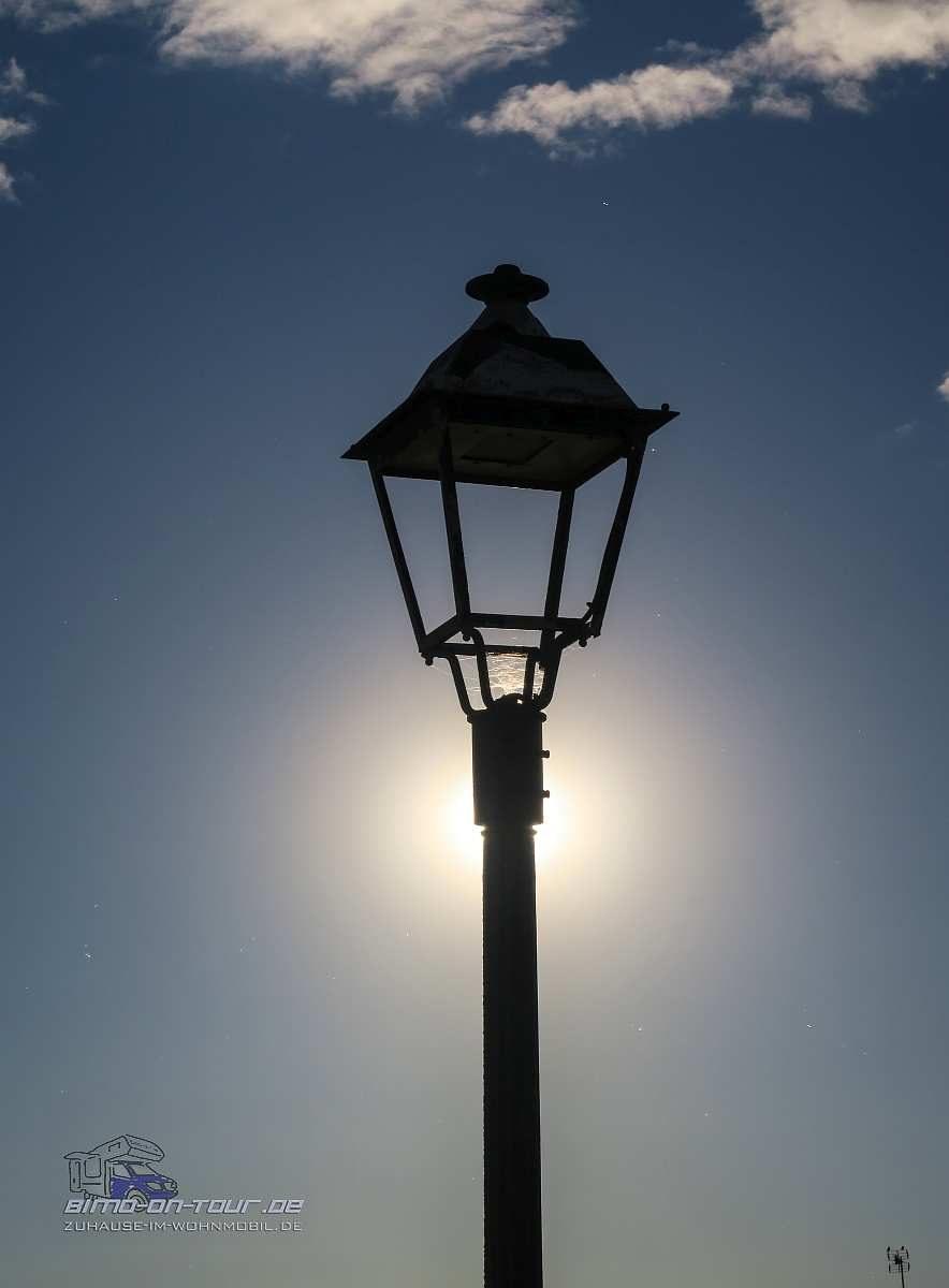 Laterne in der Sonne