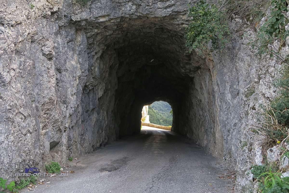 Gorge du Nan-Tunnel