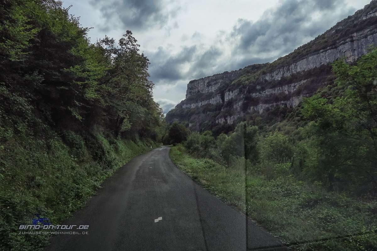Kleine Straße im Hochjura