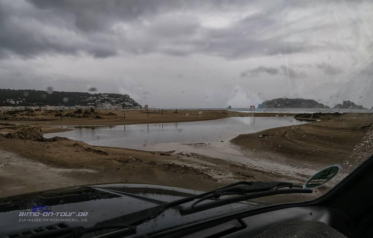L´Estartit-Strand bei Regen