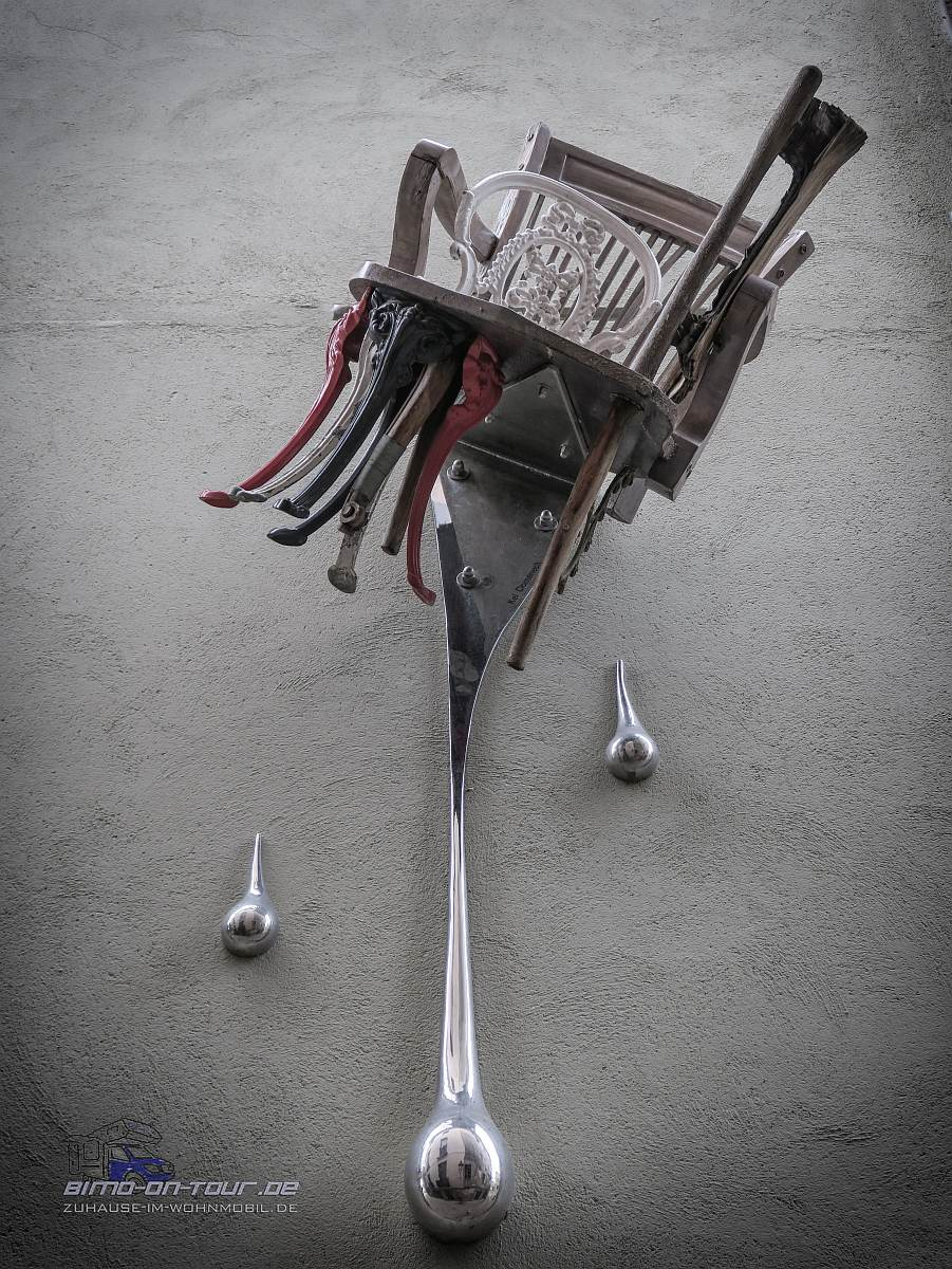 Besalú - Drei Stühle