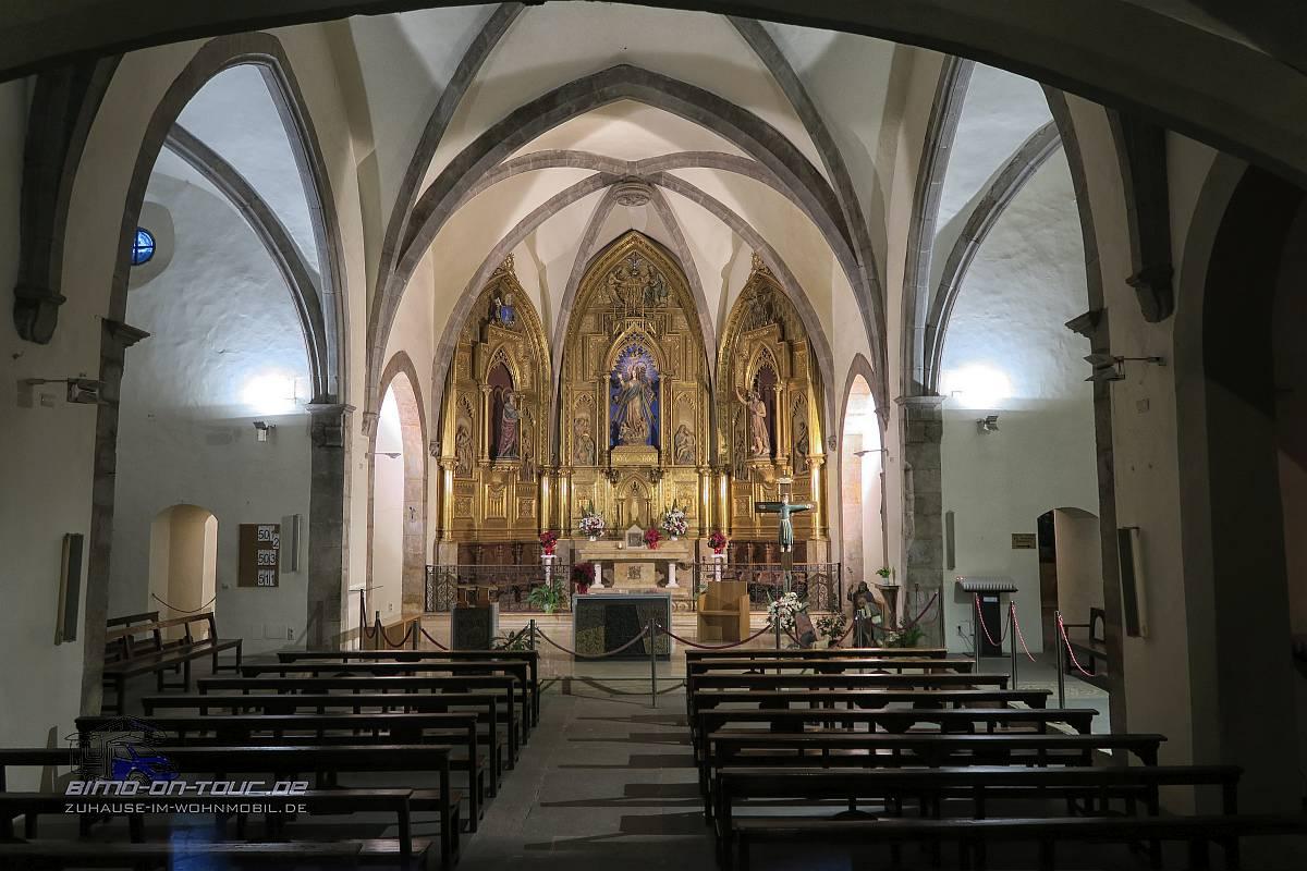 Santa Pau Eglesia Kirche