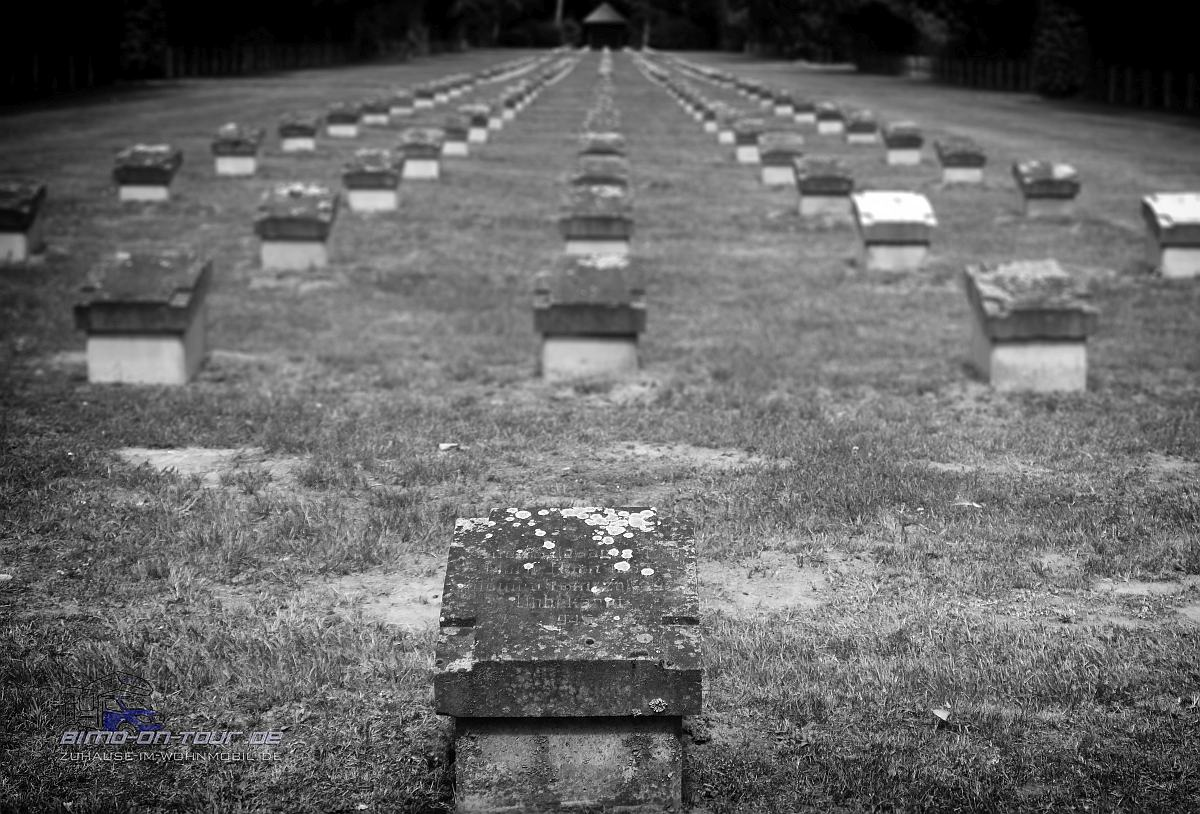 Nordfriedhof-Soldatengräber