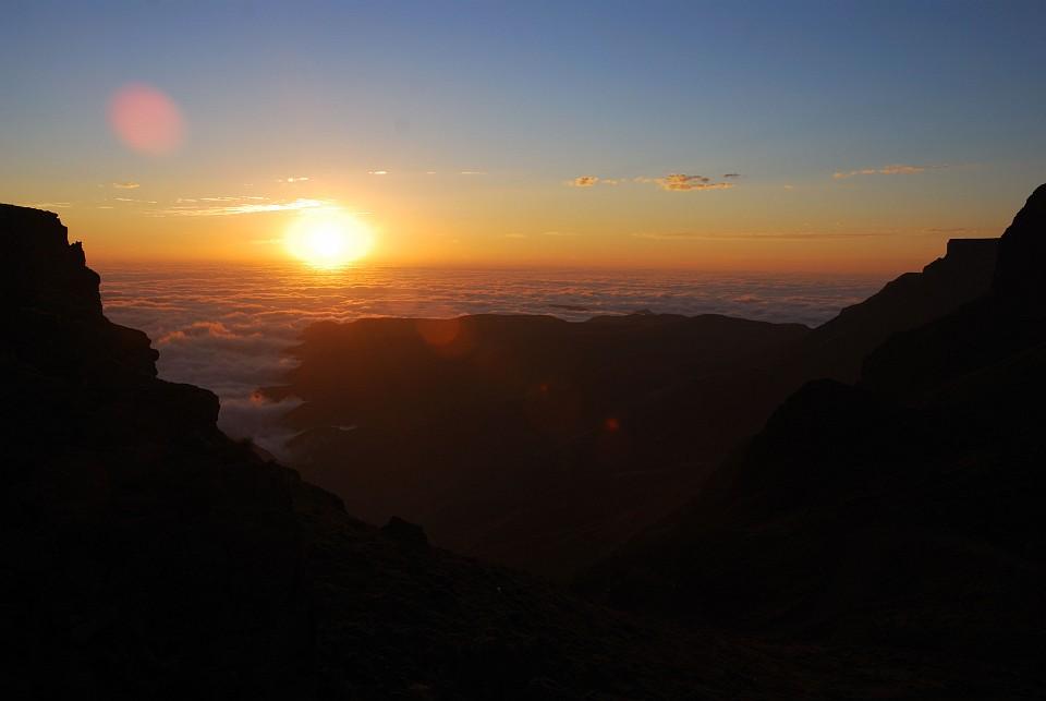 Sonnenuntergang am Sani-Pass