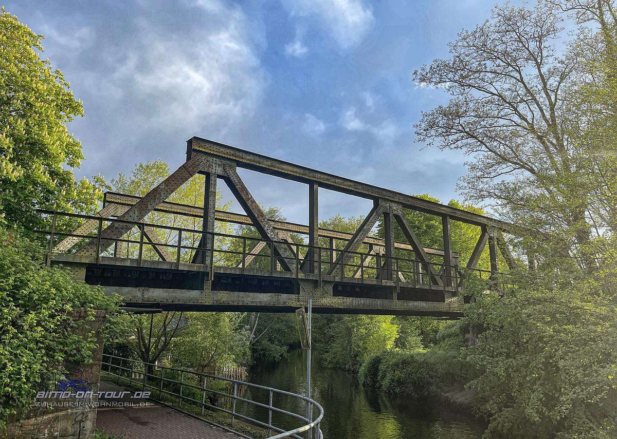 Stade-Schwingebrücke